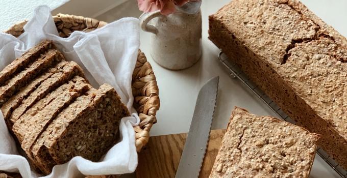 Hverdagslykke med hjemmebagt rugbrød – og noget om madpakker