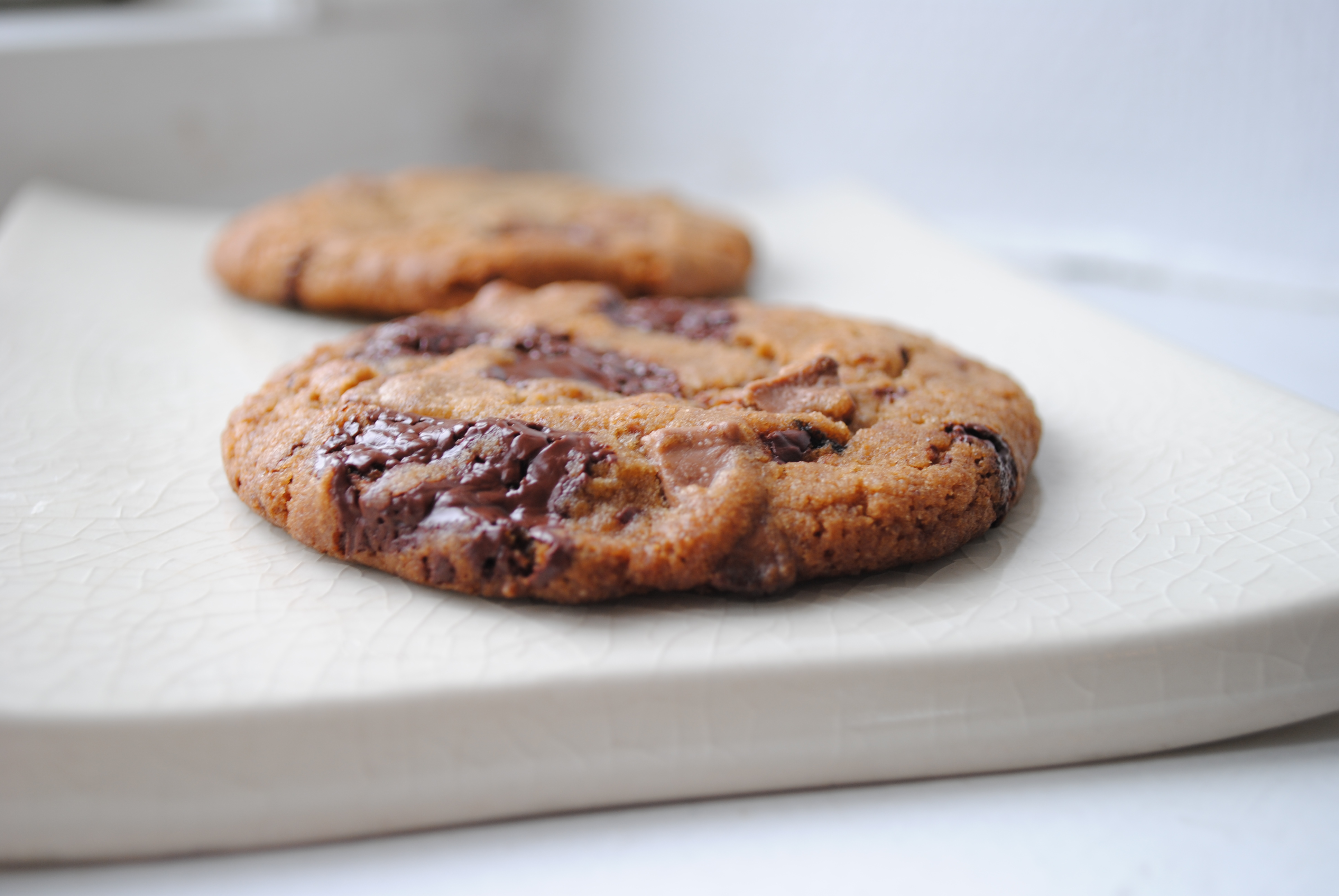 Cookies med to slags Valrhona chokolader
