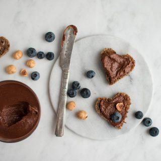 Hjemmelavet nutella – hasselnøddesmør med chokolade