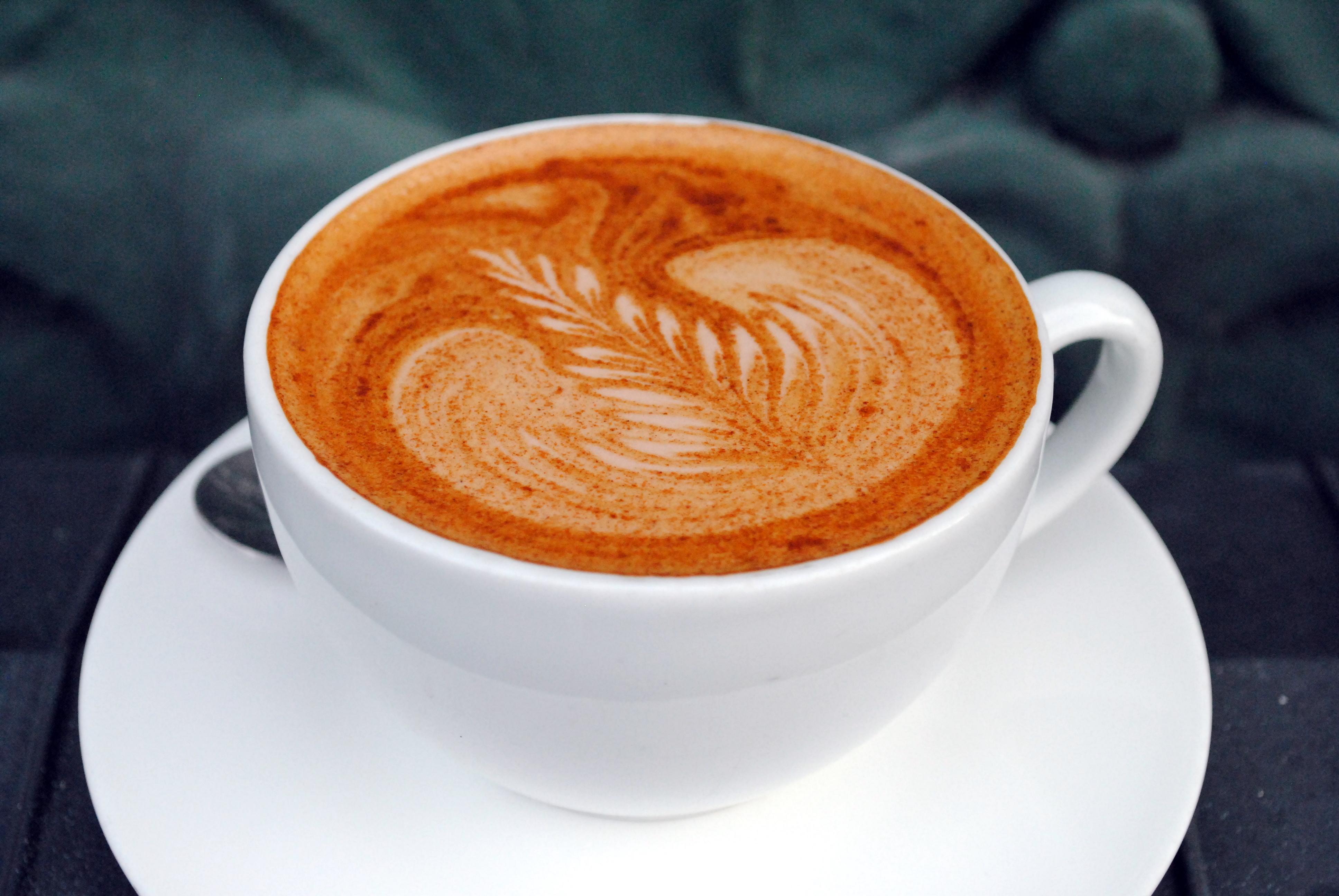 Kære grå regnvejr – giv mig en Mochaccino fra Estate Kaffebar, tak!