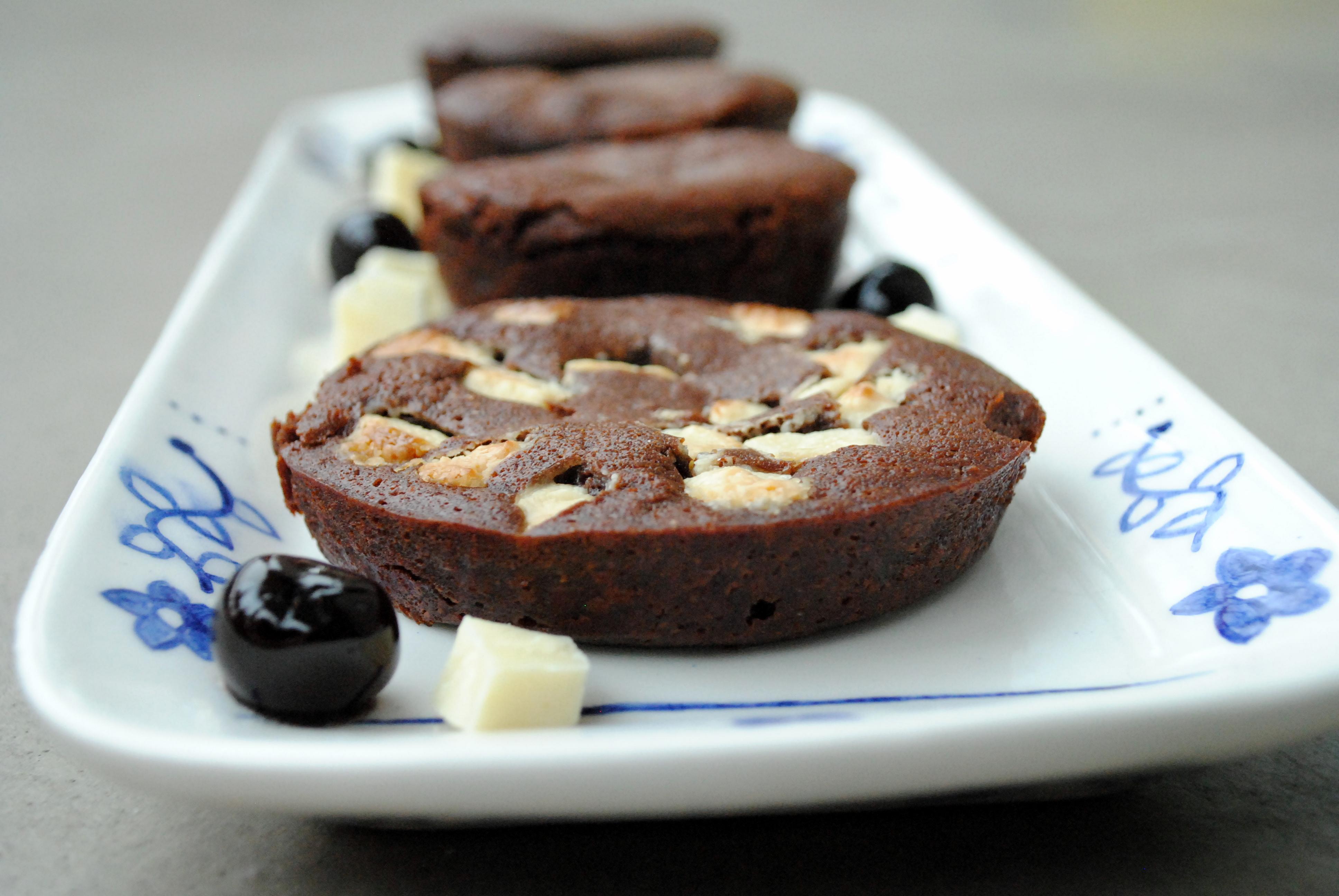 Små chokoladeballader med to slags Valrhona