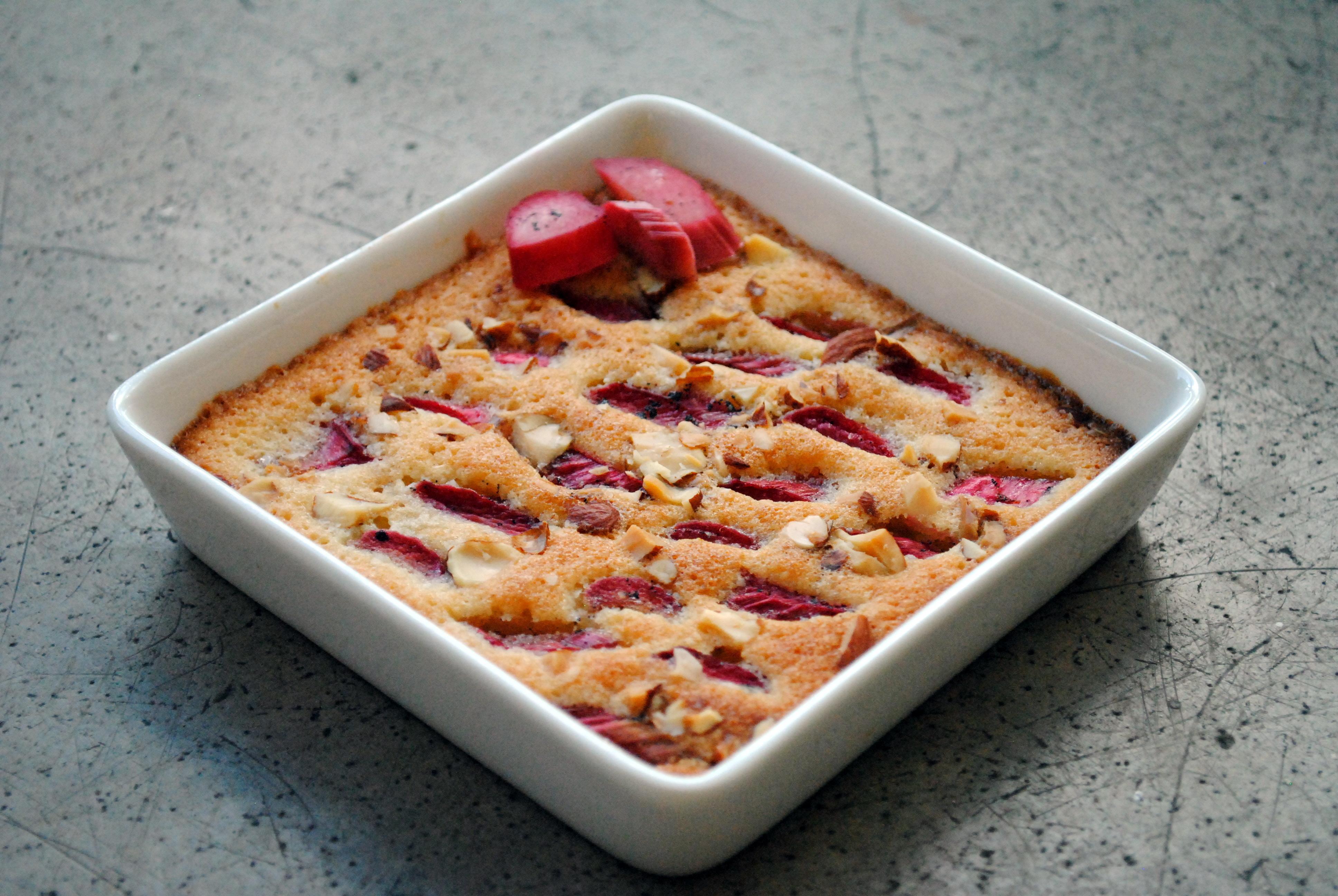 En lille rabarberkage med frangipane