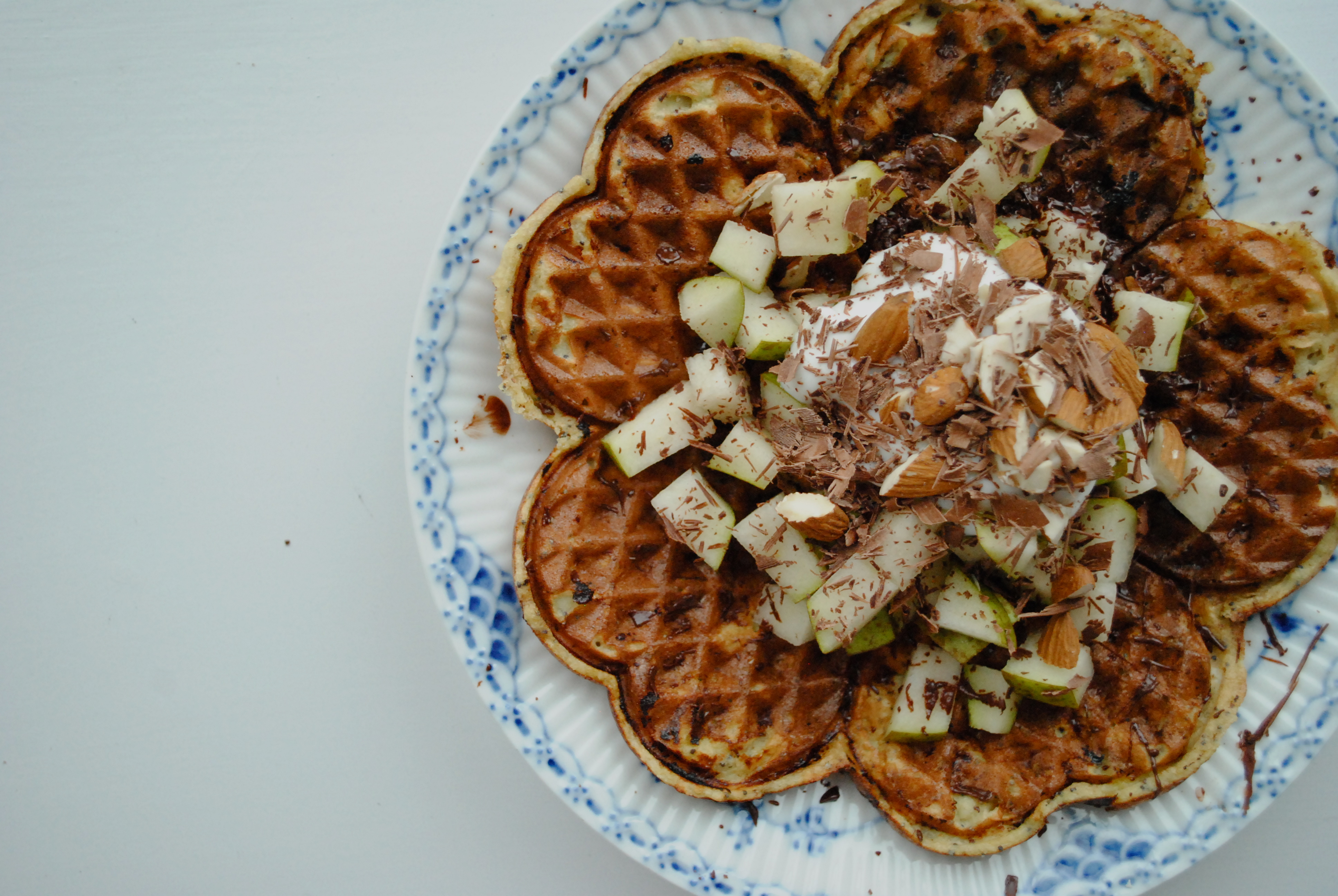Banana waffles with almond flour