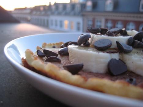 En nem dessert på en lækker sommeraften – pandekage, banan og chokolade