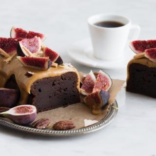 Chokoladekage med brun farin og Amber ganache