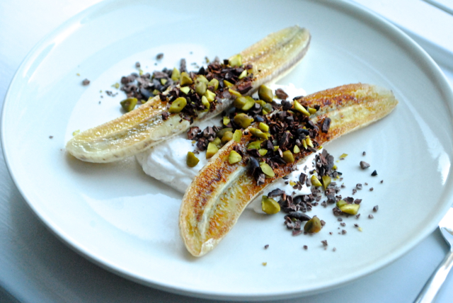 Sunde bananer, kakaonibs, pistacier og kanelskyr