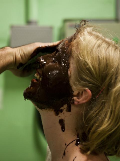 Lykken er at få chokolade smurt i ansigtet