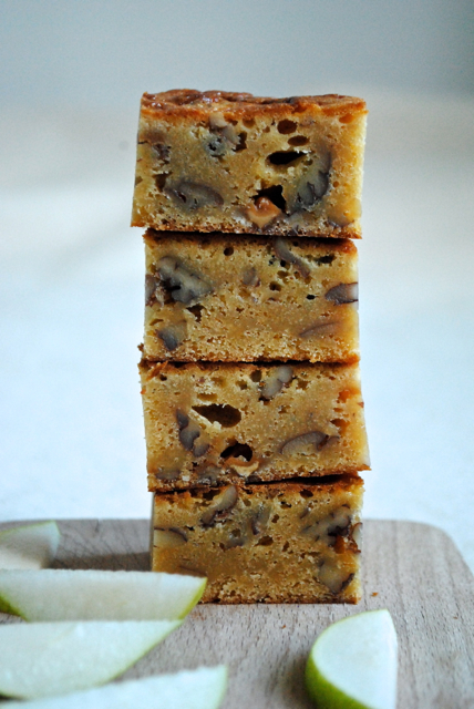 Dulcey blondies med pekannødder