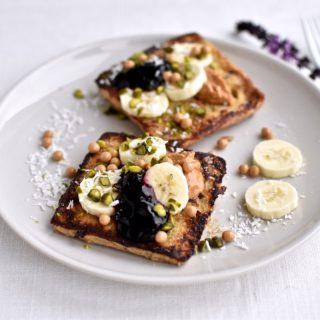French toast med masser af toppings