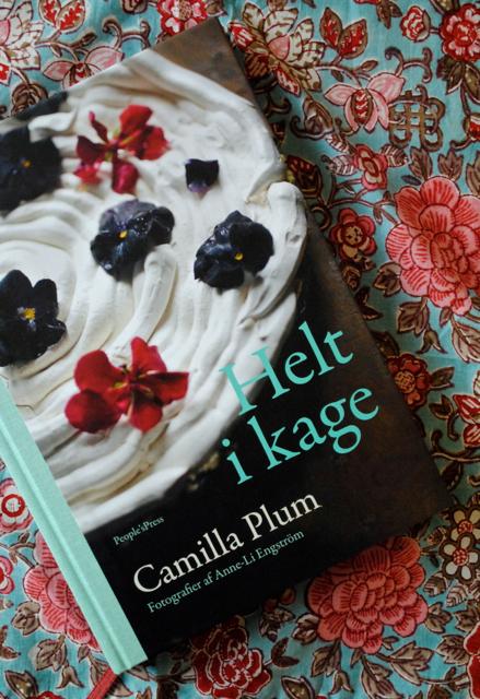 """Konkurrence: Vind Camilla Plums bog """"Helt i kage"""""""