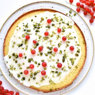 Mandel lime kage med pistacier og ribs